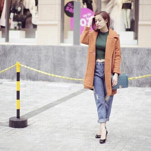 Mặc đẹp và sành điệu như mỹ nhân Việt đi chơi Tết - 13