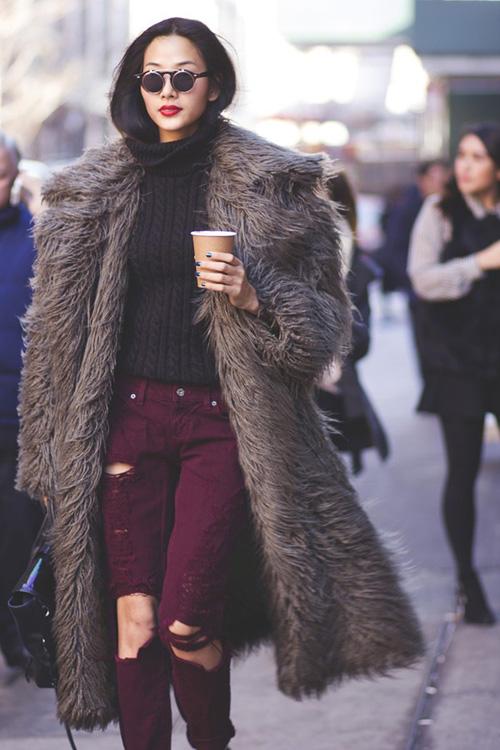 Hoàng Thùy lọt top thời trang phố ấn tượng ở New York - 1