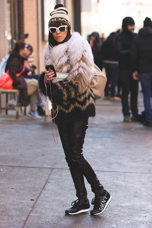 Hoàng Thùy lọt top thời trang phố ấn tượng ở New York - 14