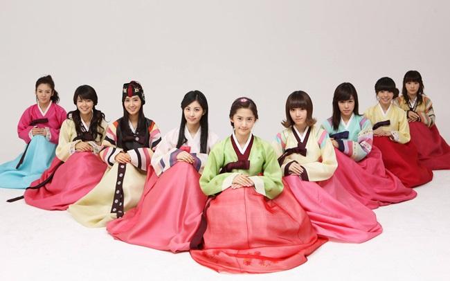 Sao Hàn xinh đẹp trong trang phục hanbok đón năm mới - 1