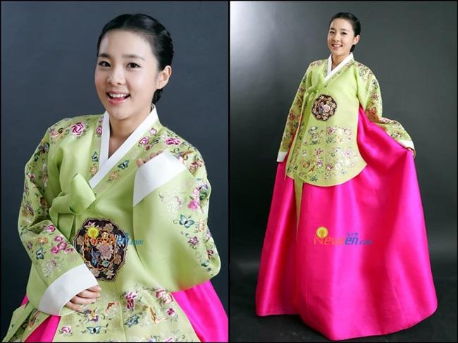 Sao Hàn xinh đẹp trong trang phục hanbok đón năm mới - 4