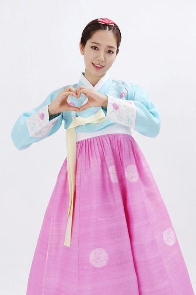 Sao Hàn xinh đẹp trong trang phục hanbok đón năm mới - 3