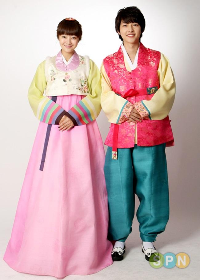 Sao Hàn xinh đẹp trong trang phục hanbok đón năm mới - 15