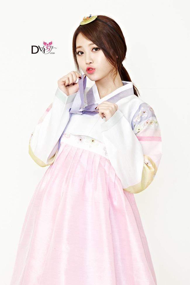 Sao Hàn xinh đẹp trong trang phục hanbok đón năm mới - 11