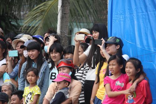 """Độc đáo lễ hội """"xông biển"""" đầu năm của ngư dân Quảng Ngãi - 4"""