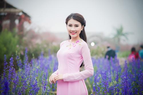 Người đẹp Thanh Tú rạng ngời bên sắc hoa ngày xuân - 7