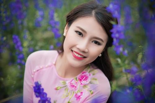 Người đẹp Thanh Tú rạng ngời bên sắc hoa ngày xuân - 8