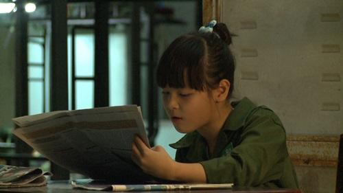 Con trai Trần Lực toát mồ hôi đọc báo trong doanh trại - 3