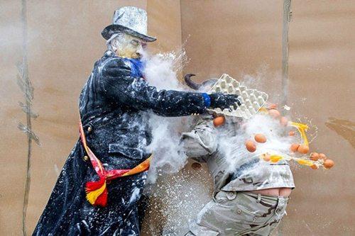 Những lễ hội siêu độc trên thế giới - 2