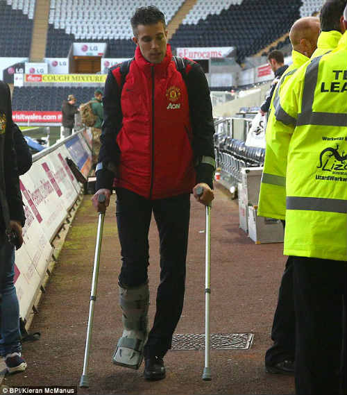 Bại trận đau đớn, Van Gaal chê MU dứt điểm kém - 2