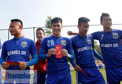 Nhận lì xì, Công Vinh & B.BD quyết đả bại CLB Trung Quốc - 4