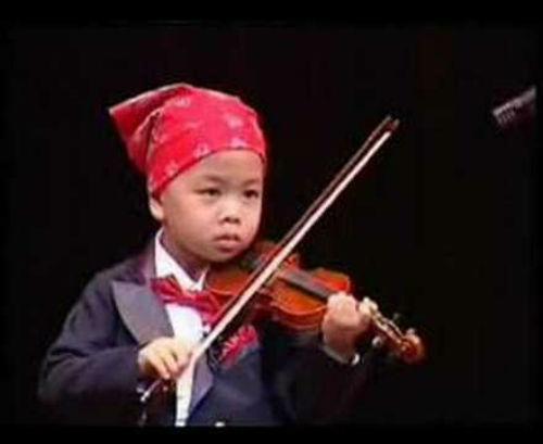 Cậu bé 11 tuổi đa tài nhất thế giới - 1