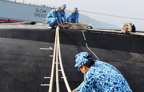 Năm mới kể chuyện lính tàu ngầm Kilo 636 rèn sức khỏe - 13