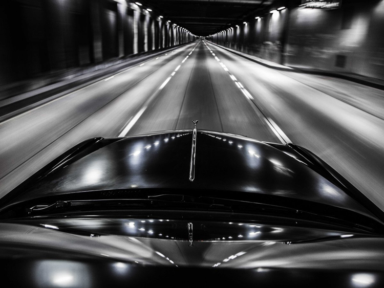 Hãng xe siêu sang Anh quốc vừa dành riêng cho thị trường Mỹ chiếc Rolls-Royce Phantom Drophead Coupe Nighthawk