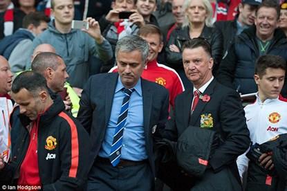 Mourinho bênh HLV Van Gaal - 1