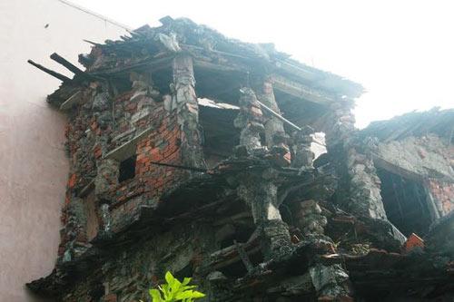"""""""Ớn lạnh"""" căn nhà tự xây của dị nhân Quảng Nam - 5"""