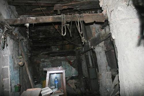 """""""Ớn lạnh"""" căn nhà tự xây của dị nhân Quảng Nam - 7"""