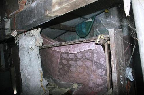 """""""Ớn lạnh"""" căn nhà tự xây của dị nhân Quảng Nam - 9"""