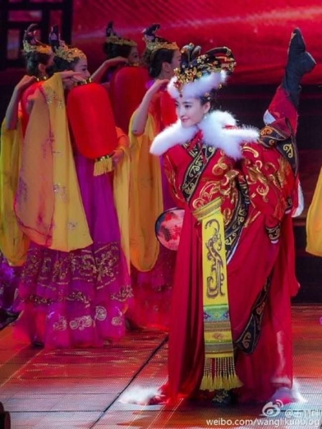 Vương Lệ Khôn đảm nhận vai mỹ nữ Vương Chiêu Quân