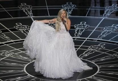 Những phần trình diễn ấn tượng nhất Oscar 2015 - 1
