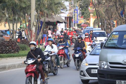 Hàng vạn người rồng rắn đổ về Thủ đô sau kỳ nghỉ Tết - 1