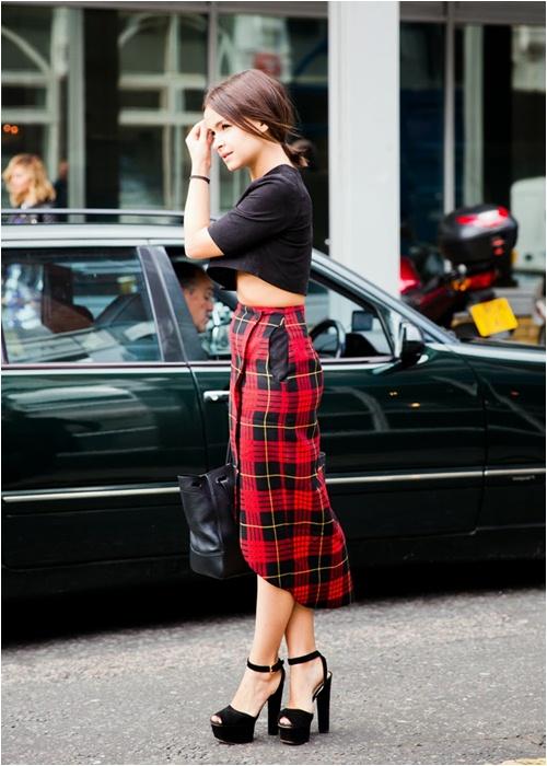 Luôn có cách để mặc đẹp với chiếc váy đỏ - 6