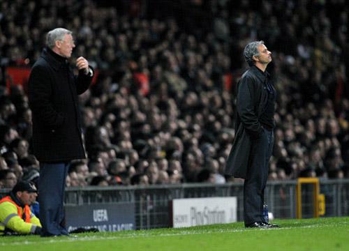 Mourinho là phiên bản hoàn hảo của Sir Alex - 1