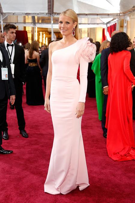 10 chiếc váy đẹp nhất Oscars 2015 - 2