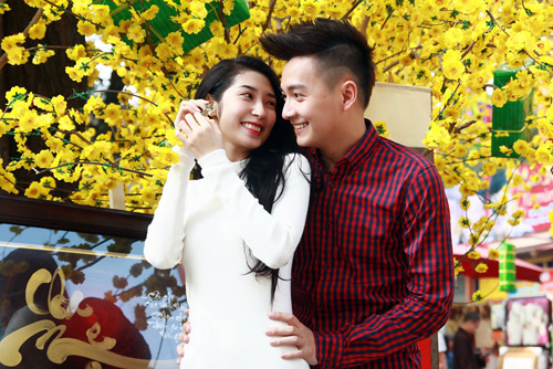 Ngô Kiến Huy và bạn gái xin quẻ đầu năm - 3