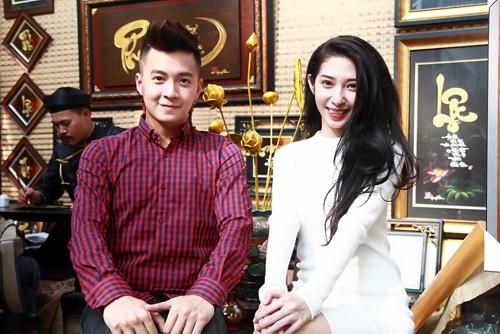 Ngô Kiến Huy và bạn gái xin quẻ đầu năm - 9