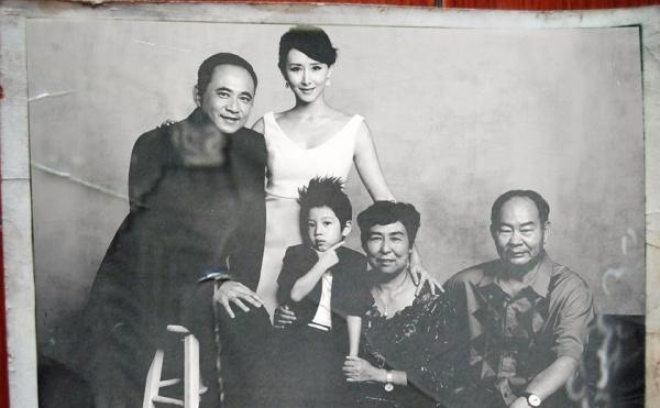 """Những bức ảnh gia đình """"đắt giá"""" của sao Hoa ngữ - 4"""
