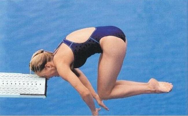 Quá 'thốn' cho vận động viên nhảy cầu