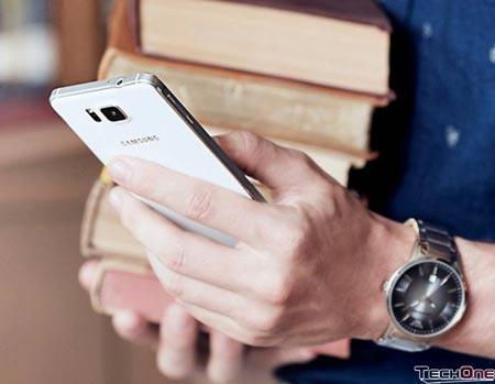 Samsung Alpha, iPhone 5C bất ngờ hạ giá gần 3 triệu đồng - 1