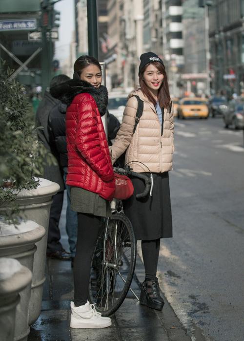 """Mâu Thủy Và Quỳnh Châu """"cặp kè"""" trên phố Mỹ - 1"""