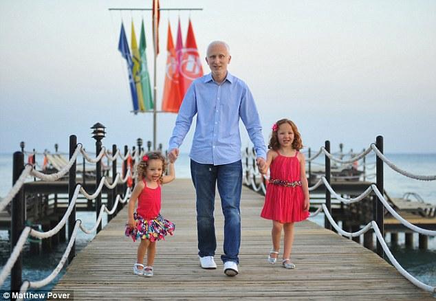 Cố gắng đẻ thật nhiều con trước khi chồng chết vì ung thư - 4