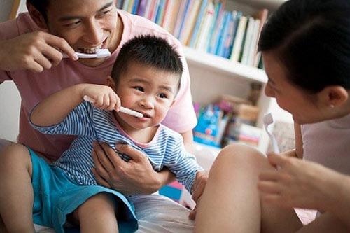 Cảnh giác 7 loại thực phẩm gây sâu răng ở trẻ - 1