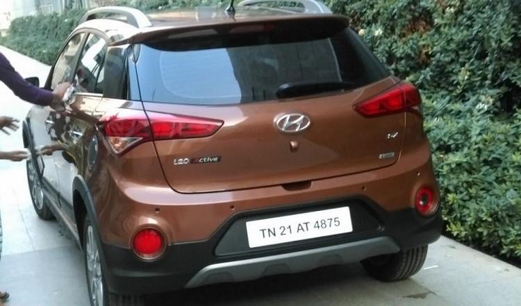 Hyundai i20 Active giá 200 triệu đồng rục rịch ra mắt - 2