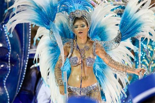 Choáng ngợp trước vẻ lộng lẫy của vũ công Brazil - 1