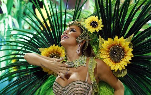 Choáng ngợp trước vẻ lộng lẫy của vũ công Brazil - 8