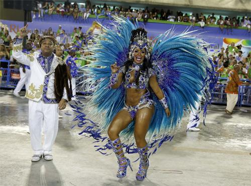 Choáng ngợp trước vẻ lộng lẫy của vũ công Brazil - 10