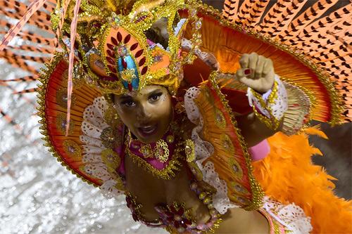 Choáng ngợp trước vẻ lộng lẫy của vũ công Brazil - 9