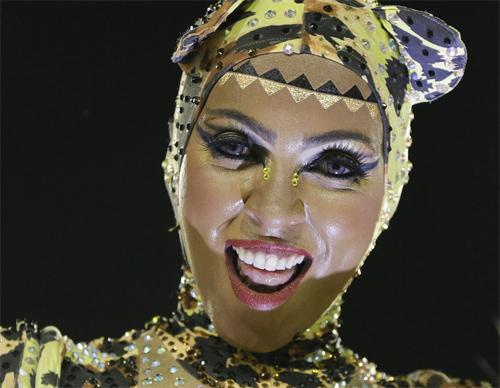 Choáng ngợp trước vẻ lộng lẫy của vũ công Brazil - 11