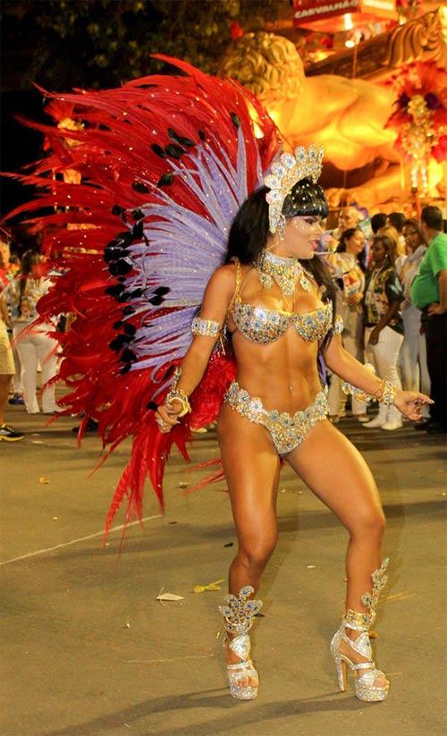 Choáng ngợp trước vẻ lộng lẫy của vũ công Brazil - 19