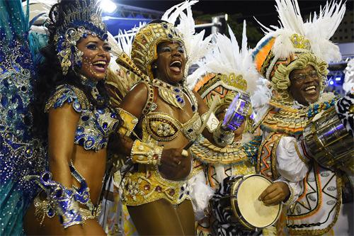 Choáng ngợp trước vẻ lộng lẫy của vũ công Brazil - 15