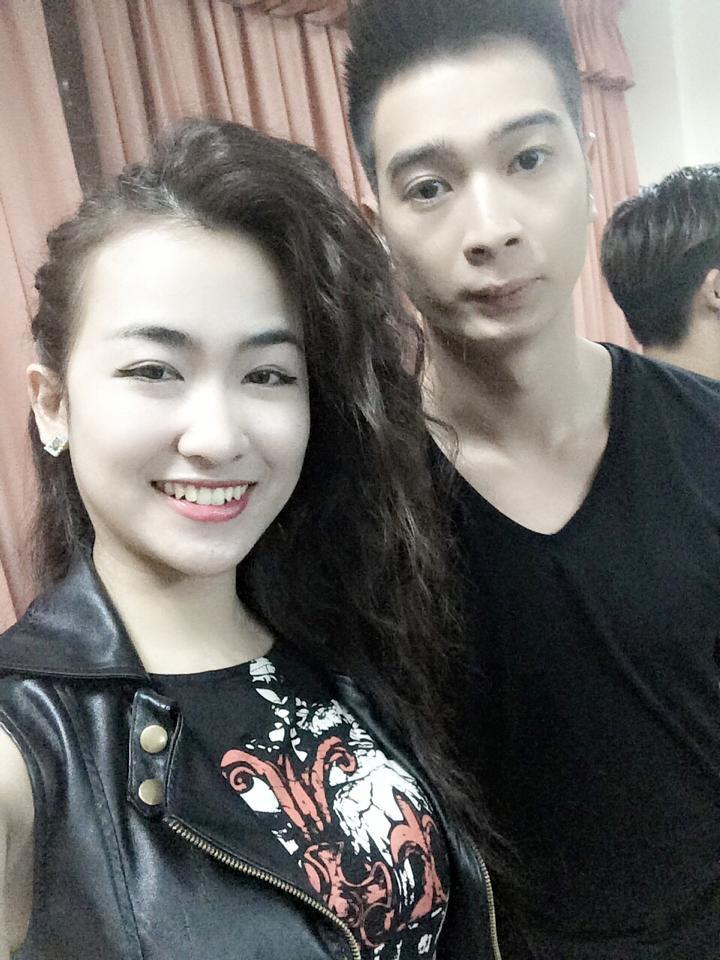 """Nữ DJ """"nóng bỏng"""" của đội Sơn Tùng - 10"""