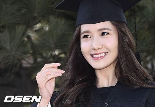 Yoona (SNSD) xinh như nữ thần trong ngày tốt nghiệp - 3