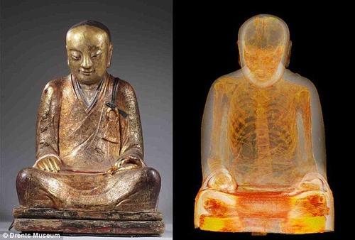 Phát hiện xác ướp nhà sư 1000 năm tuổi trong tượng Phật - 1