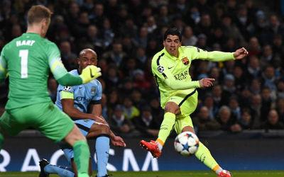 TRỰC TIẾP Man City - Barca: Messi sút hỏng phạt đền - 11
