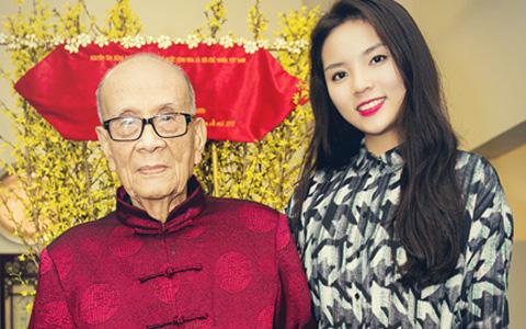 Hoa hậu Kỳ Duyên xinh tươi đi chúc Tết