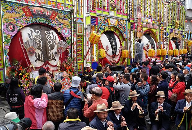 Báo quốc tế nói gì về lễ hội chém lợn của Việt Nam? - 2